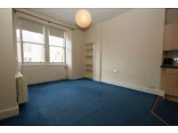 Prestigious 2nd floor 1 bedroom unfurnished flat in Bonnington available May – NO FEES