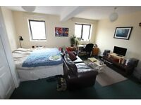 *Large 5 bed house to rent in Islington! Availble September! £825 per week! Holloway!