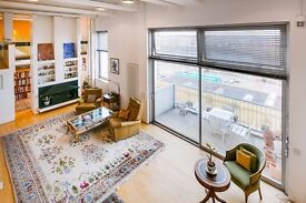 A beautiful Three Bedroom Flat with river views in Fulham,SW6