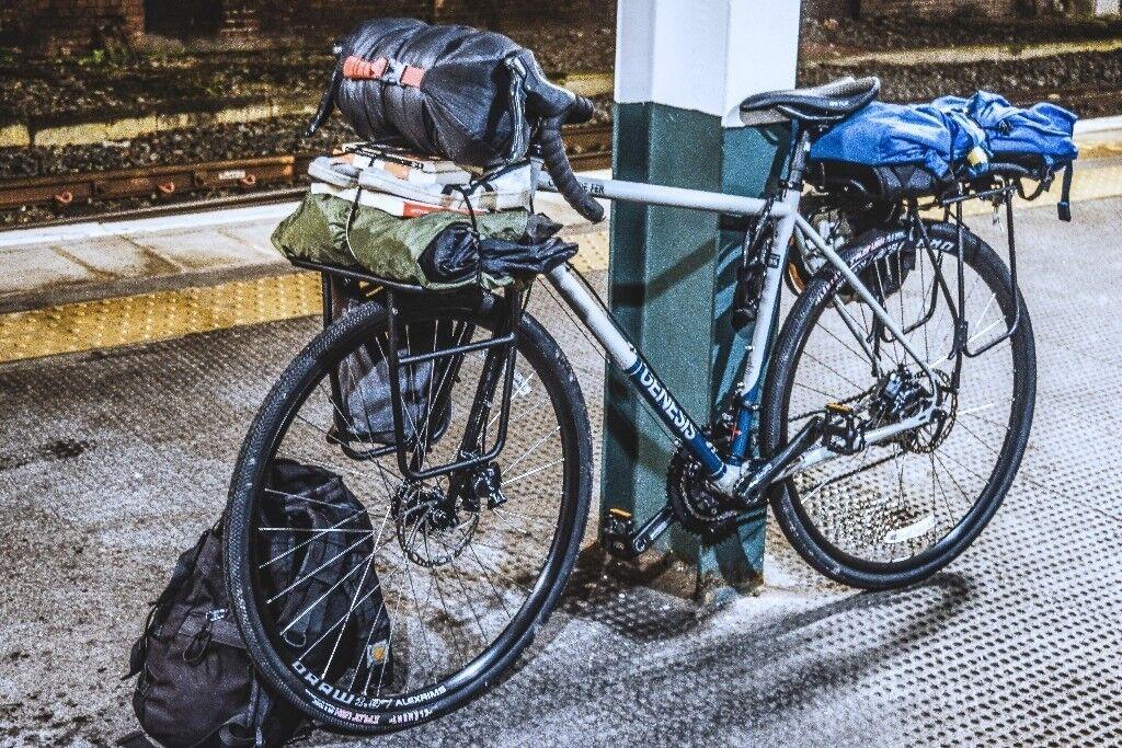 Genesis Croix De Fer Touring Bike In Haymarket