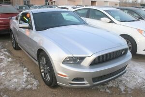 2014 Ford Mustang ALLOYS, LOW KMS!