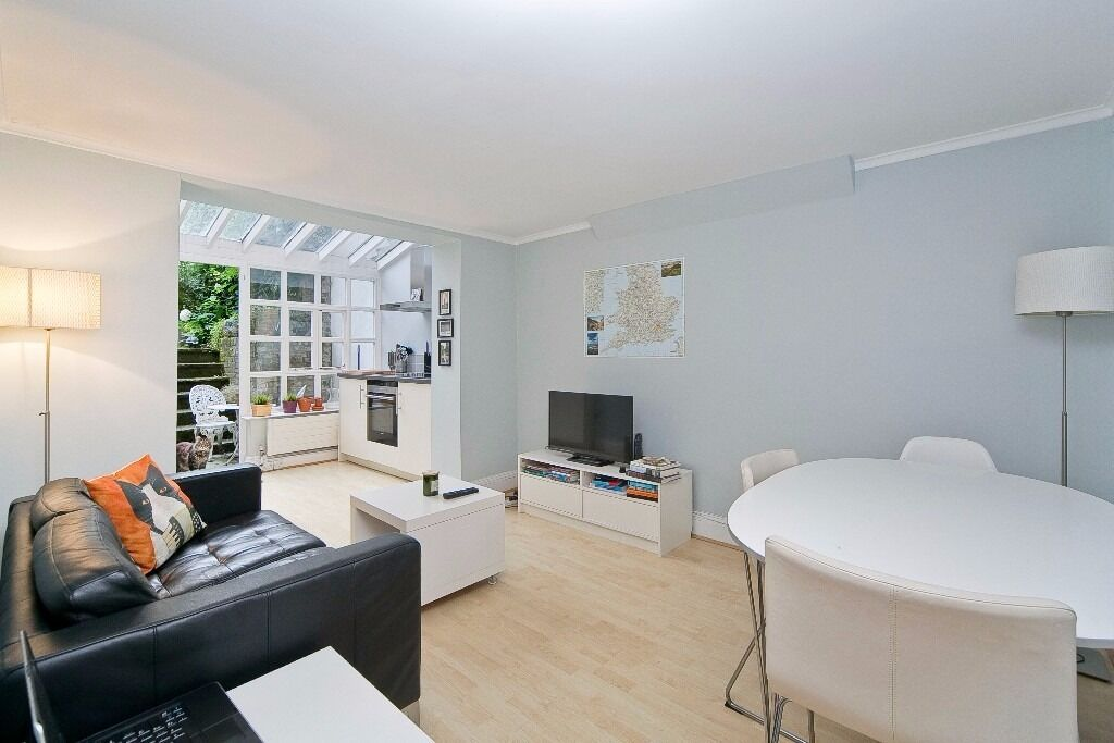 BEAUTIFUL 1 DOUBLE BEDROOM GARDEN FLAT SET ON A SOUGHT AFTER ROAD MOMENTS FROM CAMDEN UNDERGROUND