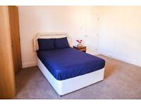 Spacious double room for couple - High street Kensington - All Included
