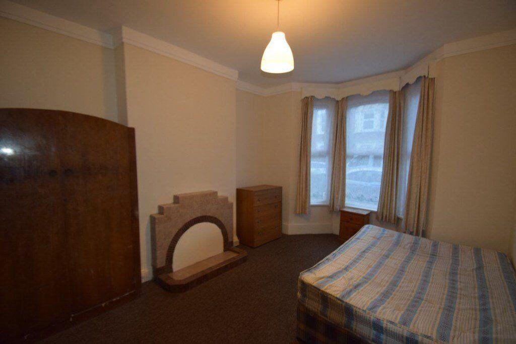 AMAZING 5 BEDROOM HOUSE IN NW2