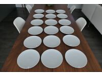 18 white porcelain plates (21cm diameter) in great condition
