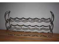 Silver chrome coloured metal wine rack, hold up to 18 bottles