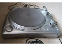 ION vinyl converter turntable in excellent condition with leads and software disc