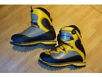 La Sportiva Spantik B3 Men's Mountaineering Boots size 44 PERFECT CONDITION