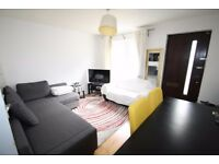 1 bed garden maisonette, between 3 tube stations, modern kitchen, modern bathroom suite, furnished