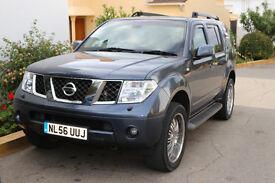 Nissan Pathfinder 2.5dCi 171 AVENTURA 7 seater fully loaded top spec diesel