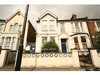 Furnished 2 Bedroom Flat with Garden Walking Distance To Turnpike Lane Piccadilly Line Underground
