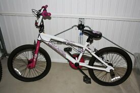 Girls Muddyfox BMX with Stunt Pegs in Very Good Condition Excellent Christmas Present