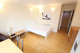 3BED FLAT - NO MORE OVERCROWDED HOUSES ** WEEKLY CLEANING ** QUIET AREA