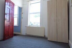 2 Double 1 Single Room in Leyton/Leytonstone