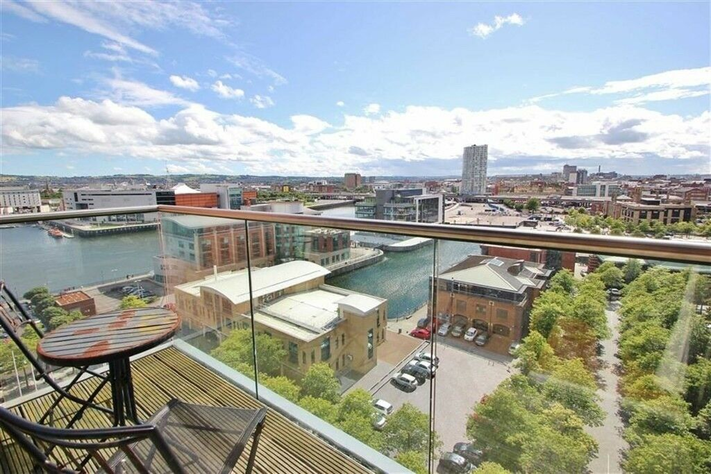 Belfast City Centre. Beautiful 2 bedroom apartment with ...