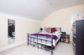 NEW!**Large double bedroom **Contemporary living space **Modern kitchen** GLENEAGLE