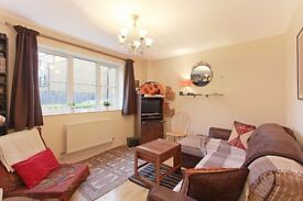 Fabulous two bedroom, two bathroom ground floor flat - close to Burgess Park
