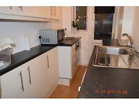 Studio Flat on ground floor to let in Romford, Philip Avenue - Close to Queens Hospital