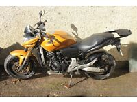 The legdondary HONDA HORNET 599cc 101 BHP 0-60 in 3.4 seconds free revving four cylinder engine