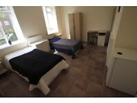 AMAZING TWIN ROOM IN MORNINGTON CRESENT EXTRA LARGE !!!!! 2 MINUTES FROM THE STATION