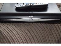 SKY PLUS HD BOX WIFI/REMOTE/HDMI/POWER CABLE