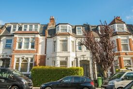 LARGE, NEWLY-REFURBISHED THREE-BED FLAT MOMENTS AWAY FROM BELSIZE PARK UNDERGROUND