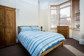 MODERN ROOM TO RENT, SINGLE OR DOUBLE, SOME ENSUITE, ALL BILLS INC, NO DEPOSIT, WIFI, CLEANER,SKY TV
