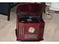 cd/cassette/fm/am/radio/record player/antenna/can be seen working