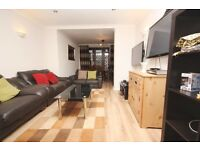 A spacious 5 bed semi detached house located close to zone 2 station and amenities!
