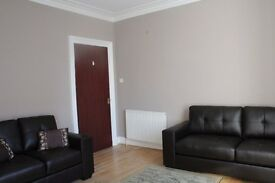 **Large 2 bed, fully furnished with dining kitchen, near University