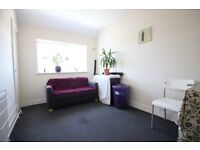 **INCLUDING ALL BILLS** ONE BEDROOM FIRST FLOOR FLAT- CLOSE TO HOUNSLOW WEST TUBE STATION- FURNISHED