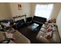 We are proud to present a modern, spacious, one bedroom flat in Barking IG11.