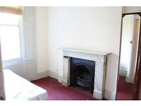 Decent sized 4 bedroom basement flat for rent *CLAPHAM* landor rd