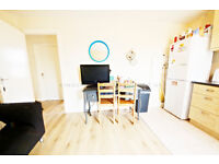 Very spacious 4 bedroom flat with 2 bathrooms in Tooting Broadway