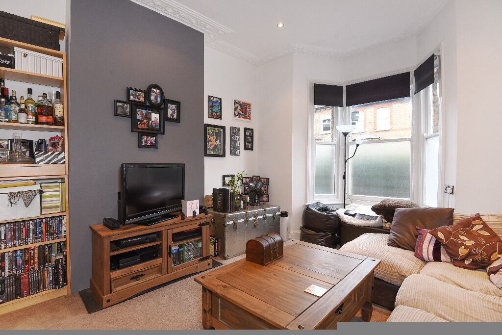 One Double Bedroom Garden Flat, Noyna Road, Tooting Bec SW17, £1400 Per Month
