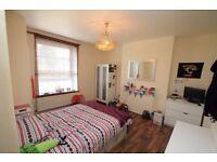 Lovely Double Room in Hale Street, Poplar E14