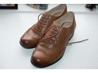 Clarks Ladies Tan Brogues - Size 5 - Excellent Condition