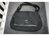 CAROLINA HERRERA 212 VIP MEN BLACK SHOULDER BAG / WEEKEND / TRAVEL BAG * NEW*