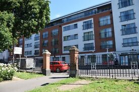 2 Bedroom Penthouse holiday apartment, min. booking 3 nights, sleeps 5, 10 min. to tube station
