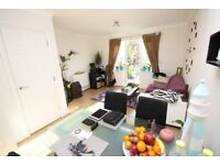 A modern 3 bed 2 bath Town house located in UB6 close to transport and amenities, lovely condition!!