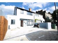 SW16-STUNNING FIVE BED THREE BATH HIGH SPEC DETACHED HOUSE WITH PRIVATE PARKING AVAIL NOW ONLY £795