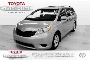 2014 Toyota Sienna CE RETOUR DE LOCATION 1 SEUL PROPRIO