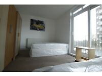 MASSIVE TWIN ROOM WITH PRIVATE BALCONY, INCREDIBLE BRIGHT, 2 MINS FROM SWISS COTTAGE STATION//18F