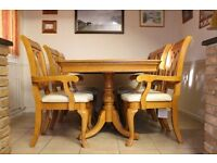 Dining Room Table (extendable) & 6 Chairs : Hardwood