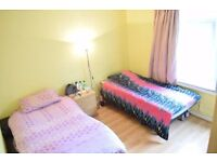 Twin room available in South Wimbledon. All bills included.