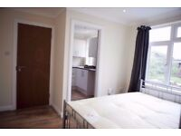 Spacious Luxury Double Room with ENSUITE BATHROOM in Gants Hill, IG2 6DL for Just £649PM!!