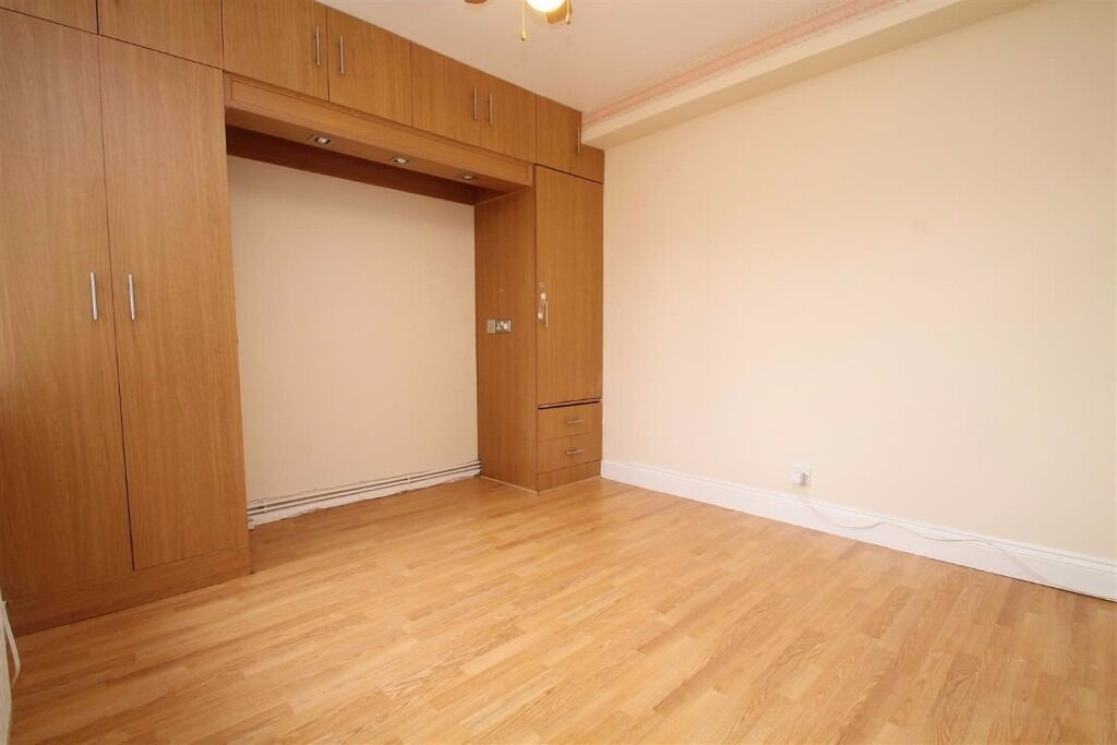 Brigstock Road - PART FURNISHED 2 BEDROOM !! VIEWINGS HIGHLY RECOMMENDED !!
