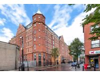 E1 Aldgate East - Large 2 bedroom apartment in converted warehouse close to Aldgate East station
