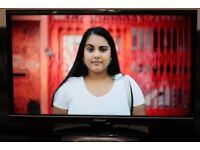 """32"""" FINLUX 32H6072D FULL HD LED TV WITH BUILT IN FREE VIEW IN GREAT CONDITION"""