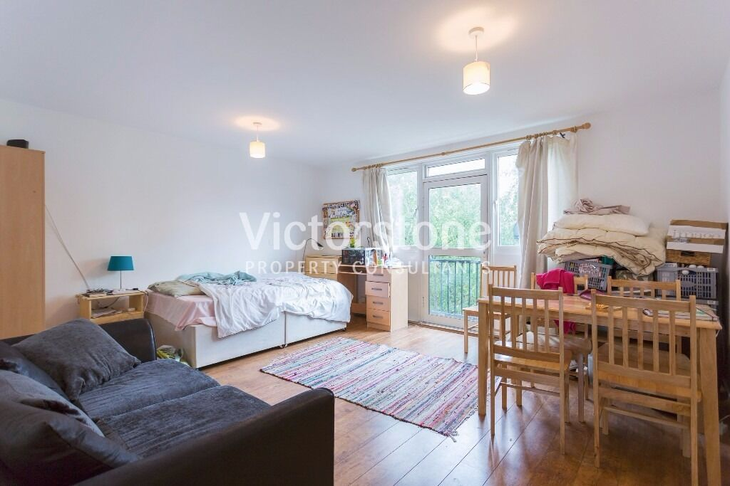 Four double rooms flat in Mornington Crescent, heating included ***AUGUST MOVE IN***